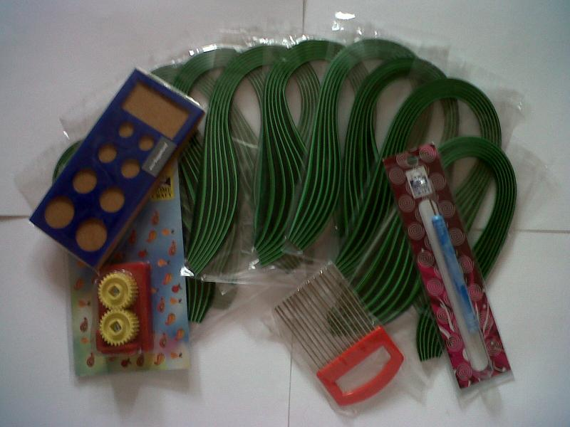 shades of green Quilling Paper, crimp,quilling comb,board, & quiling tool