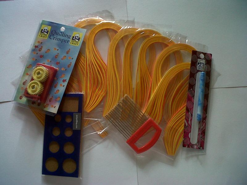 shades of yellow quilling paper ,crimp,quilling comb,quilling board & tool.